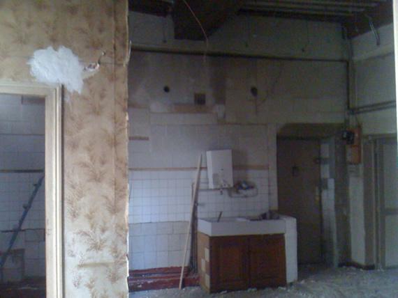 demolition cloison comment demolir une cloison demolition cloison interieure r ussir sa. Black Bedroom Furniture Sets. Home Design Ideas