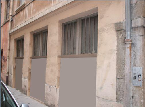 Les 2 portes sont supprimées, agrandissement des 3 verrières. Les fenêtres sont positionnées à 160cm du sol.