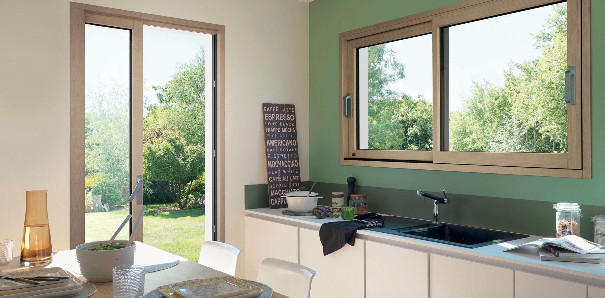 fenetres-cuisine-jardin-menuiseries-maison