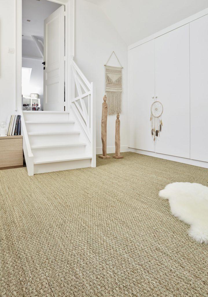 Chambre avec sol en sisal
