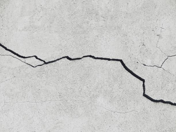 Gros plan sur un mur fissuré